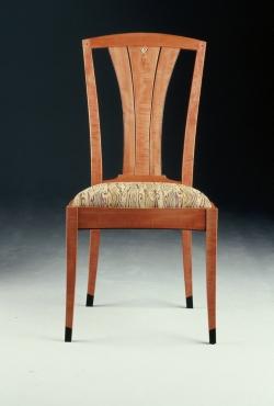 handmade custom chair by furniture master Garrett Hack